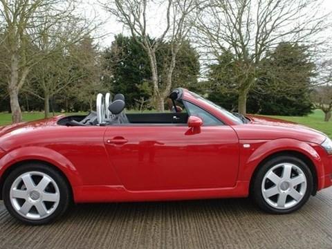 2001 Audi TT E Kuqe Ne Shitje Foto 1