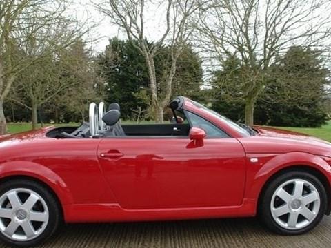 2001 Audi TT E Kuqe Ne Shitje Foto 4