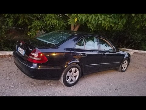 2003 Mercedes-Benz E Blu Ne Shitje Foto 1
