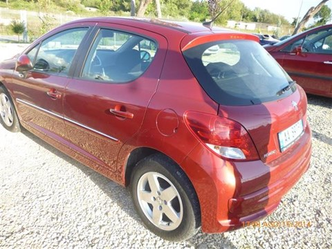 2009 Peugeot 207 E Kuqe Ne Shitje Foto 3