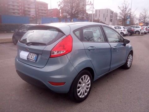 2010 Ford Fiesta E Argjendtë Ne Shitje Foto 2
