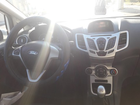 2012 Ford Fiesta E Bardhë Ne Shitje Foto 4